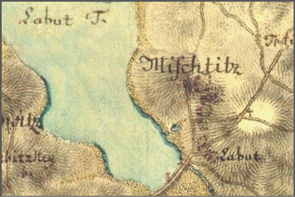 Lokalita Labuť vyskytující se  již od roku 1669 v matričních knihách farního úřadu Pohoří. Na mapě prvního vojenského mapování 1764 – 1768 je zakreslena pod hrází stejnojmenného rybníka.